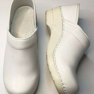 Dansko 38 White Nursing Professional Clog Comfort